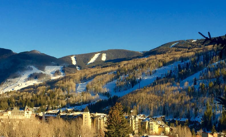 Minutes to skiing; view the slopes from the deck. - Vail