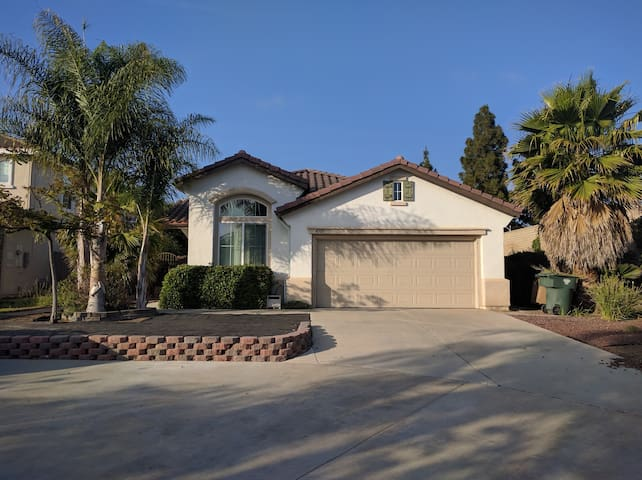 Spacious House in Camarillo CA. - 卡馬里奧(Camarillo) - 獨棟