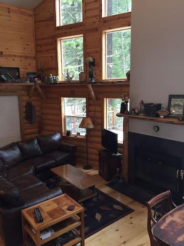 Forest Retreat in Cascade, ID - Cascade - Cabaña