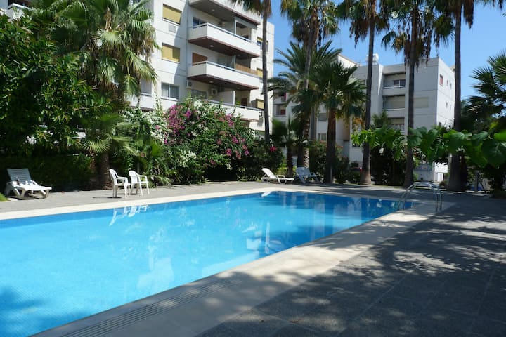 Large 3 bed - pool, next to sea & Amenities, Wifi - Agios Tychon - Appartement