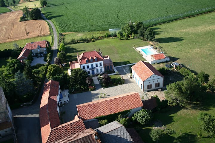 Luxurious & charming detached gite - Castelnau-Rivière-Basse - Hus