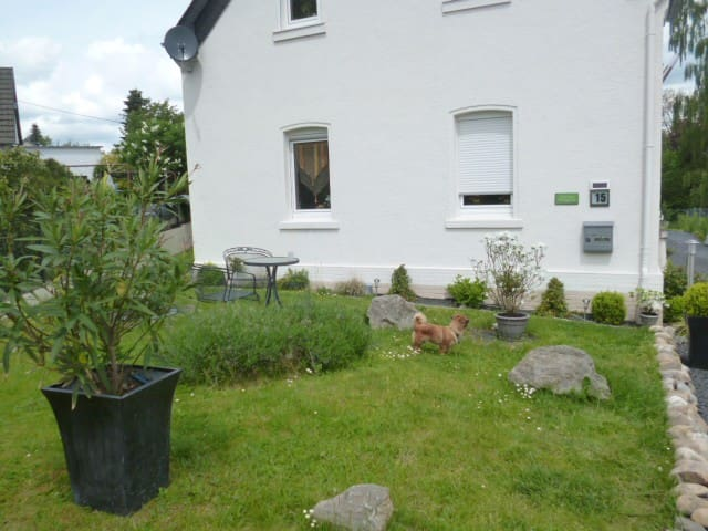 Nice, Clean, Friendly and Quiet Room for 2 Persons - Ebernhahn