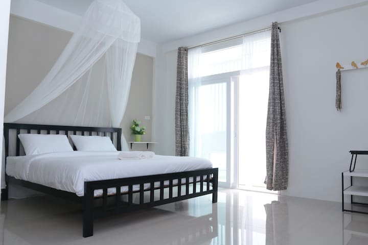 Morning mist by Hasu Guesthouse - Hat Yai - Hus