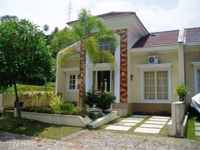 Stylish house with swimming pool! - Manado