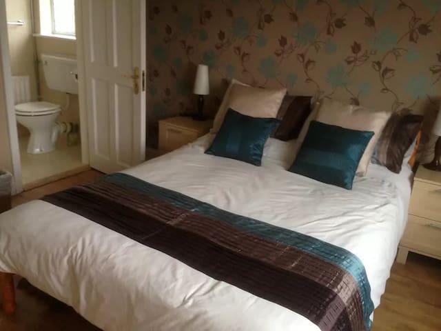 Castleview B&B - Room 03 - Limerick