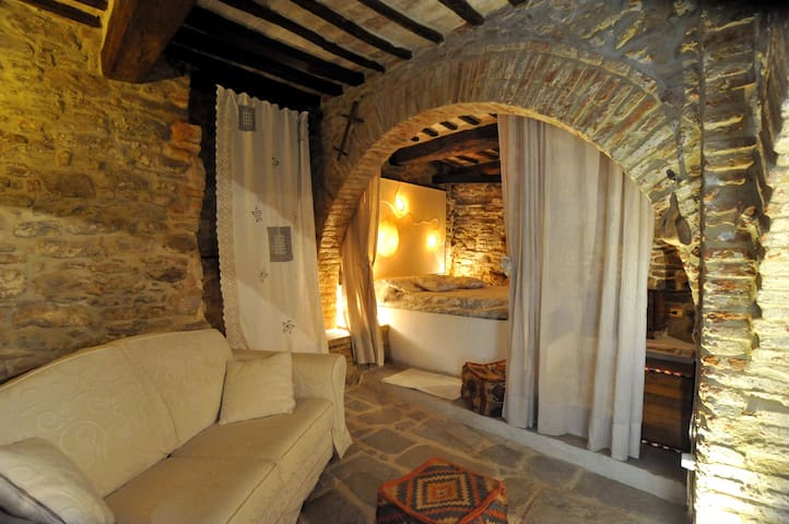 Suite medievale nel castello di Panicale - Panicale - アパート