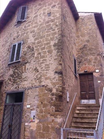 A casa di Andrè nel centro storico - Campagnano di Roma - Hus