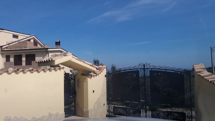 Appartamento in villa a 2km dal mar - Vasto - Ev