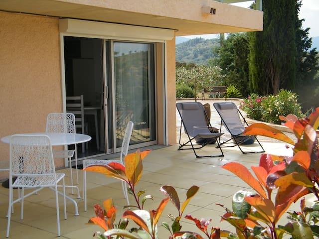 Charmant gite studio 2/3 pers avec vue panoramique - Montauriol - Apartamento