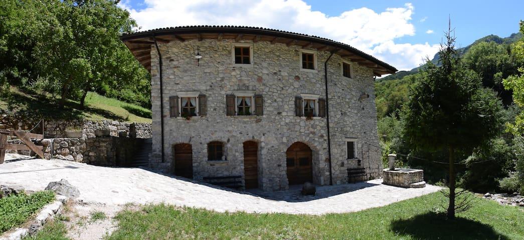 Mulino del Castello, camera dei cherubini - Besenello - Apartemen