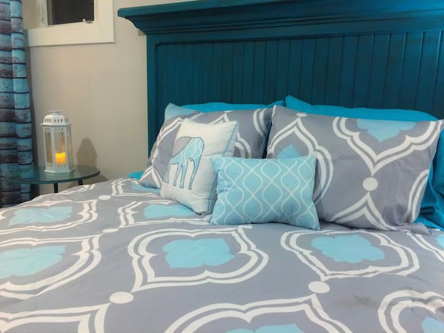 B&B in Oysterbed - Transit offered - Oyster Bed - 家庭式旅館