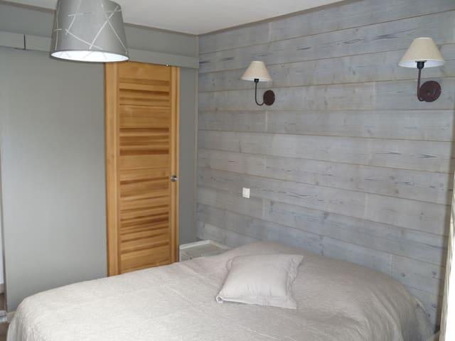 "La Rogeraie bed and breakfast, room""les 2 caps"" - Audinghen - Bed & Breakfast"