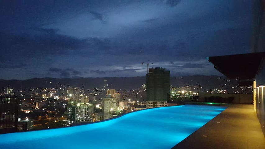 Cebu's only Sky-pool. Studio. Ayala - Cebú - Departamento