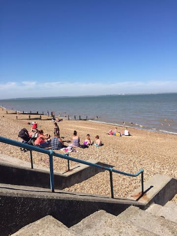 1 bed Des Res near beach - Sheerness - Huoneisto