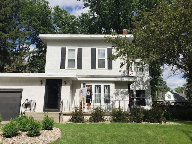 Old character home in the heart of Sioux Falls! - Sioux Falls - Talo