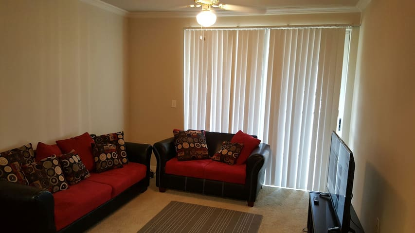 Lovely, Little living space in Lewisville - Льюисвилл - Квартира
