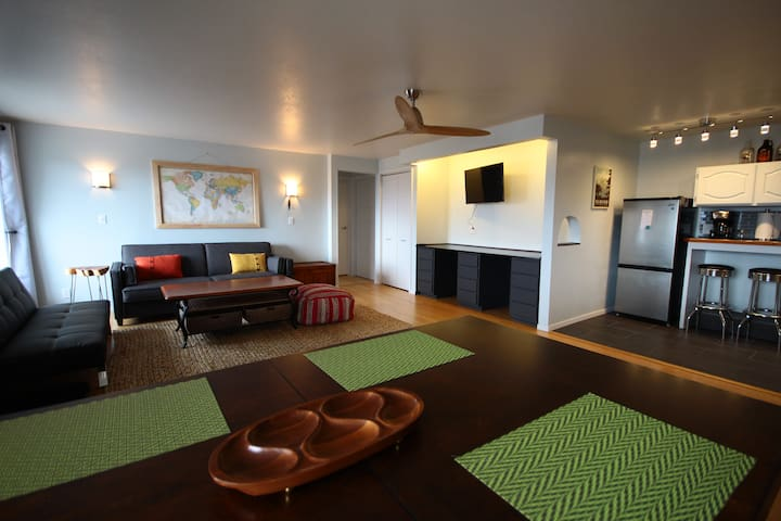 The Skyline Suite: VIEWS of the city and Rockies - Missoula