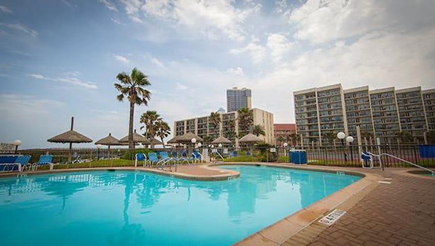 Royale Beach and Tennis Club Studio - South Padre Island - Osakehuoneisto