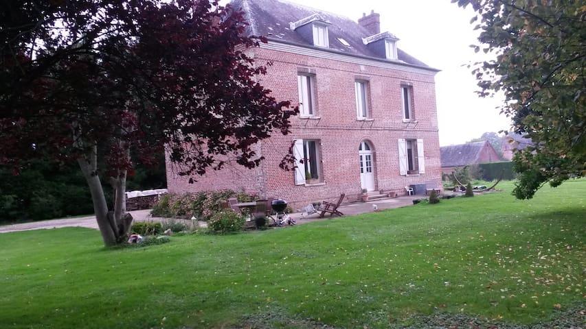 Maison de charme idéale famille 25 km de la mer - Gonneville-sur-Scie - Casa