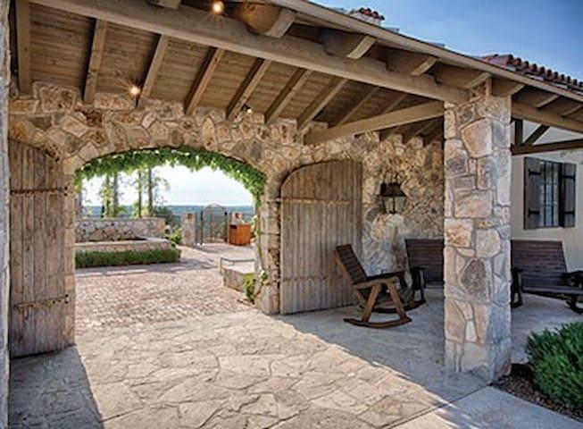 Stablewood Springs Resort - Hunt - Apto. en complejo residencial