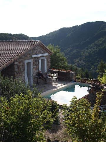 Chambre avec piscine Le Céréïbé - Beaumont - Gästhus
