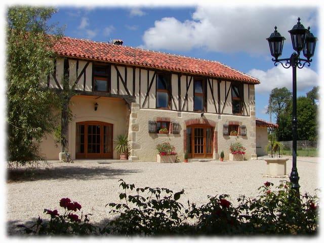 Le Cottage - Maison Tillac - Tillac - Huis