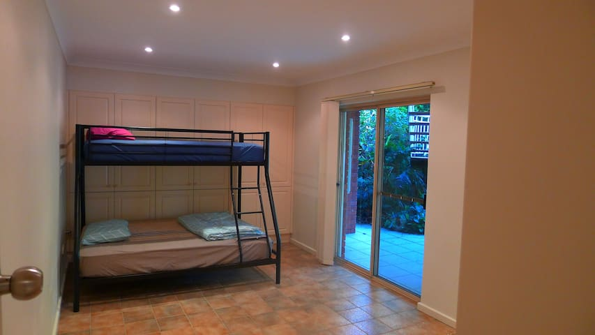 Self-contained flat near Epping Station - Epping - Leilighet