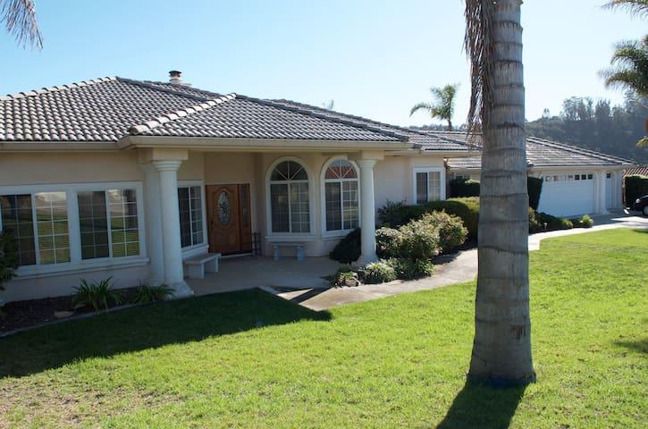 Resort Living Close to All Central Coast Beaches - Arroyo Grande - Huis
