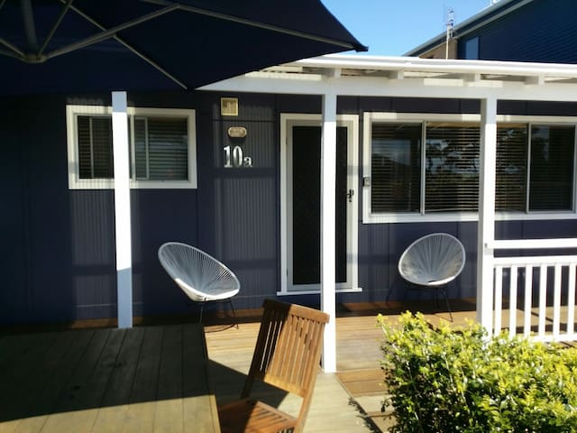 Mobys Beach House - Currarong - Huis