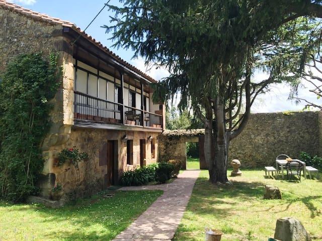 ENCANTADORA CASA EN VILLANUEVA - Villanueva - Casa