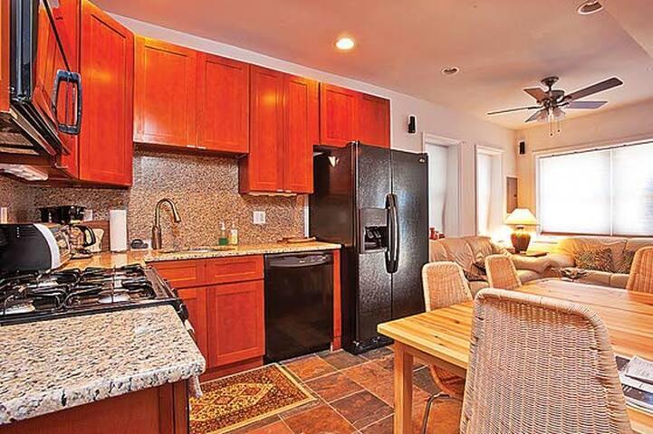 Beach block apartment - Atlantic City