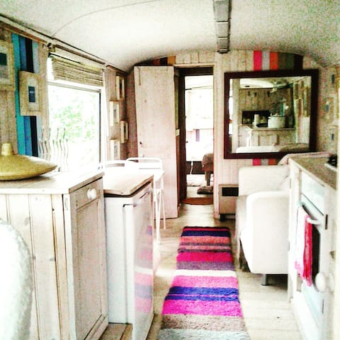 Self contained French School Bus . - Pershore - Outros