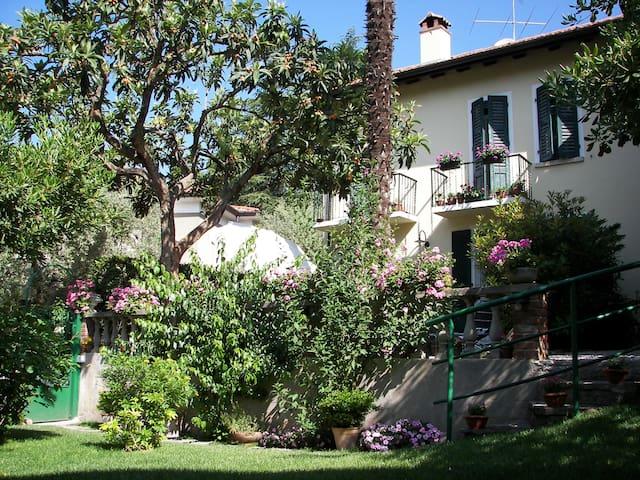 b&b le tre gatte - Gardone Riviera - Rumah