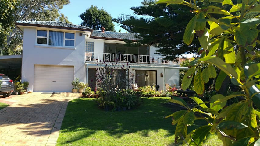Caringbah bed and breakfast - Caringbah South - Oda + Kahvaltı