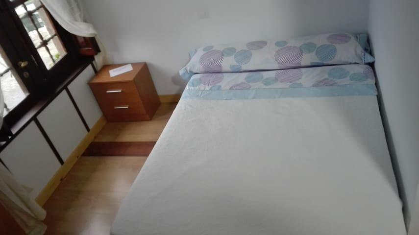 Hostel Santa Marina (Buelna) 101 - Buelna - Bed & Breakfast