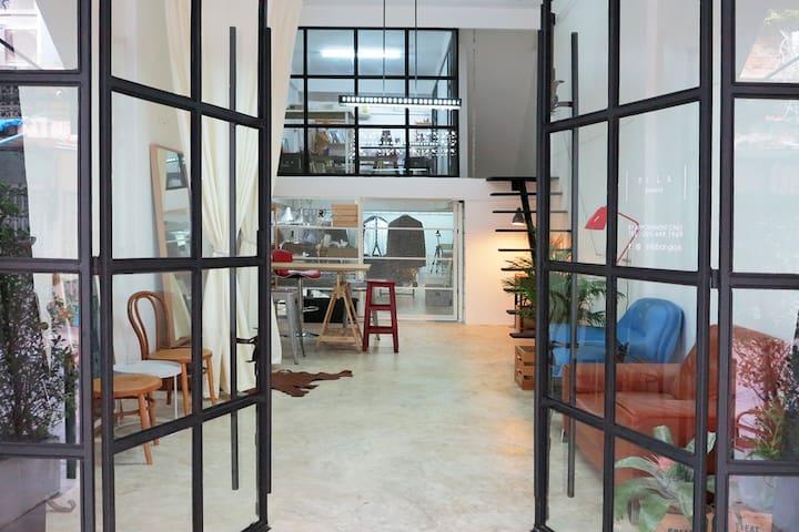 Designer's loft next to skytrain. - Bangkok - Loft
