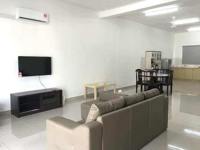 Saujana Rawang Guest House - Rawang - Maison
