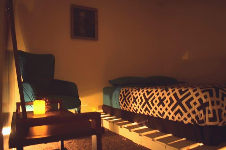 SOFTEST QUEEN BED IN BUENA PARK!NO HIDDEN FEES! - 普安那公園(Buena Park) - 獨棟