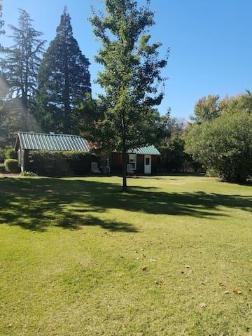 Charming Historic Guest House : 1 of 2 Bedrooms - Sutter Creek - Vendégház