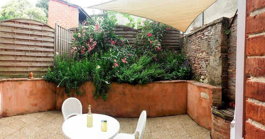 Le Petit Nid avec terrasse pour 2 - Beaumont-de-Lomagne - Appartement