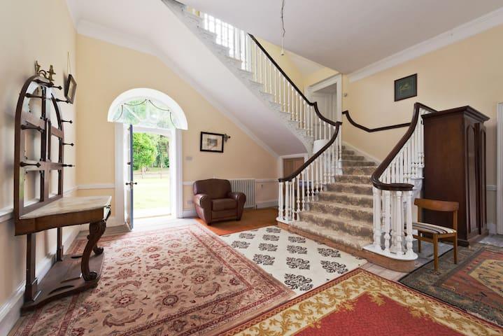 Georgian Country House - Longwood - Ev
