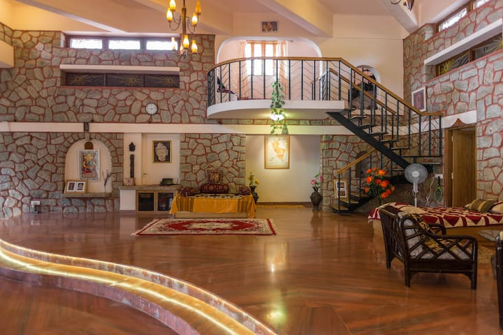 Artistic Resort Villa 2 km from BLR - Bangalore - Villa