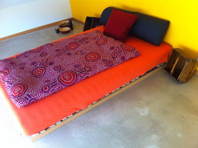 Ruhiges und komfortables Zimmer. - Rodersdorf - Hus