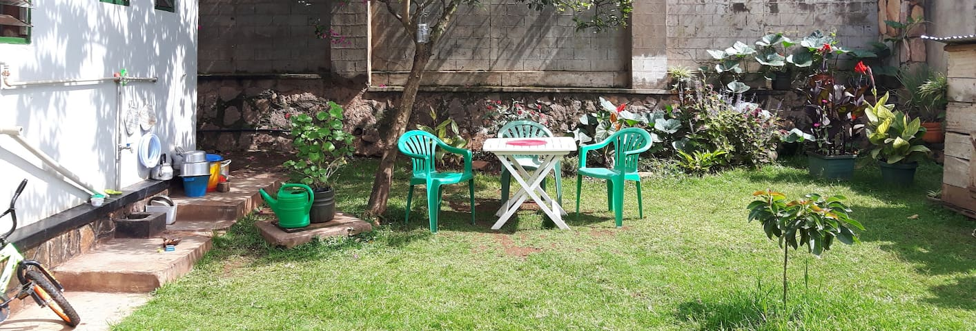 green oasis, private, secure, internet available - Kampala
