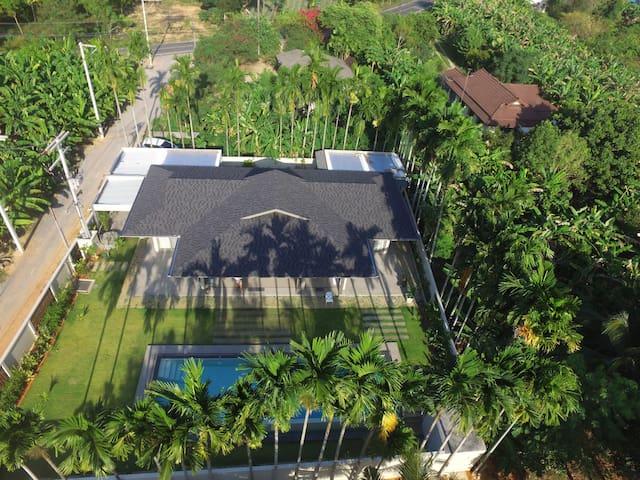 Mai kao ,Maison luxueuse, 4 chambres,calme piscine - Phuket - Huis