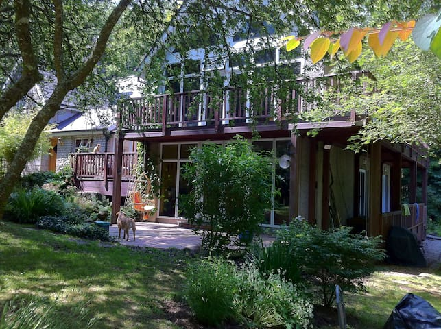 Beautiful woodland house 5 mins from Glendalough - Rathdrum - Hus
