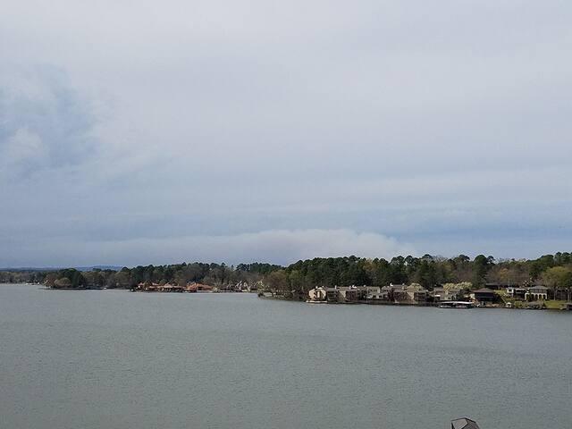 Remodeled 2/2 with Lake Hamilton Views - Lake Hamilton - Condo