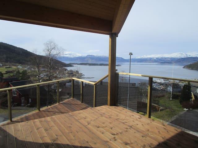 In the hillside above the Hardanger Fjord - Herand - Apartemen