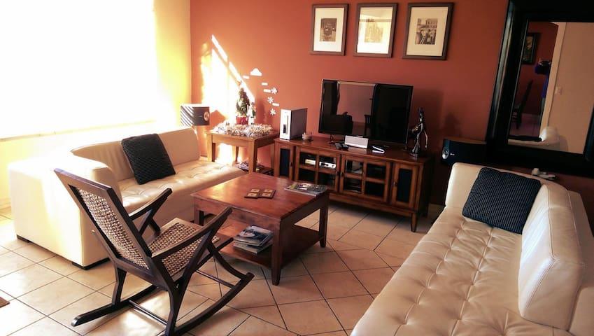 Casa Bonita - Nuevo Cuscatlan next to San Salvador - Nuevo Cuscatlán - Huis