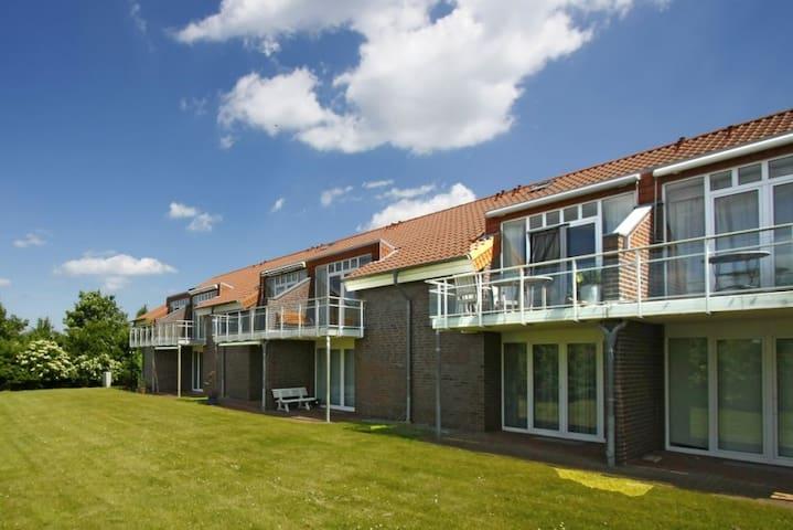 Apartment 200 Meter to the beach - Hohenkirchen - Leilighet